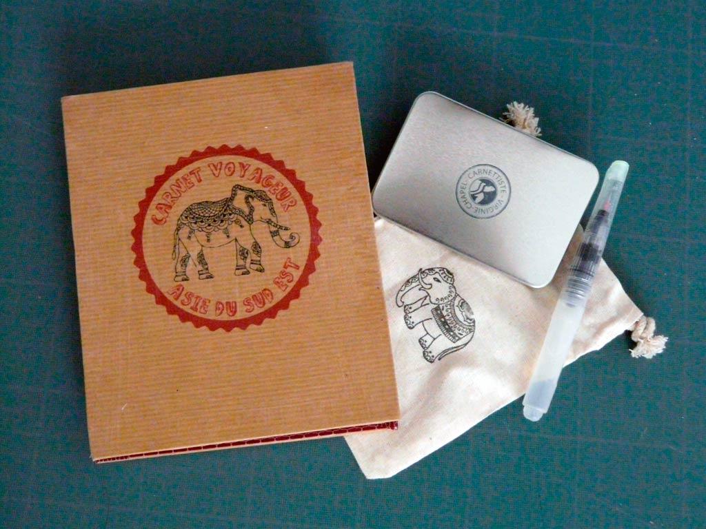 kit de voyage pour carnet de voyage